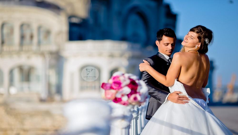 Ce servicii ofera un fotograf profesionist nunta?