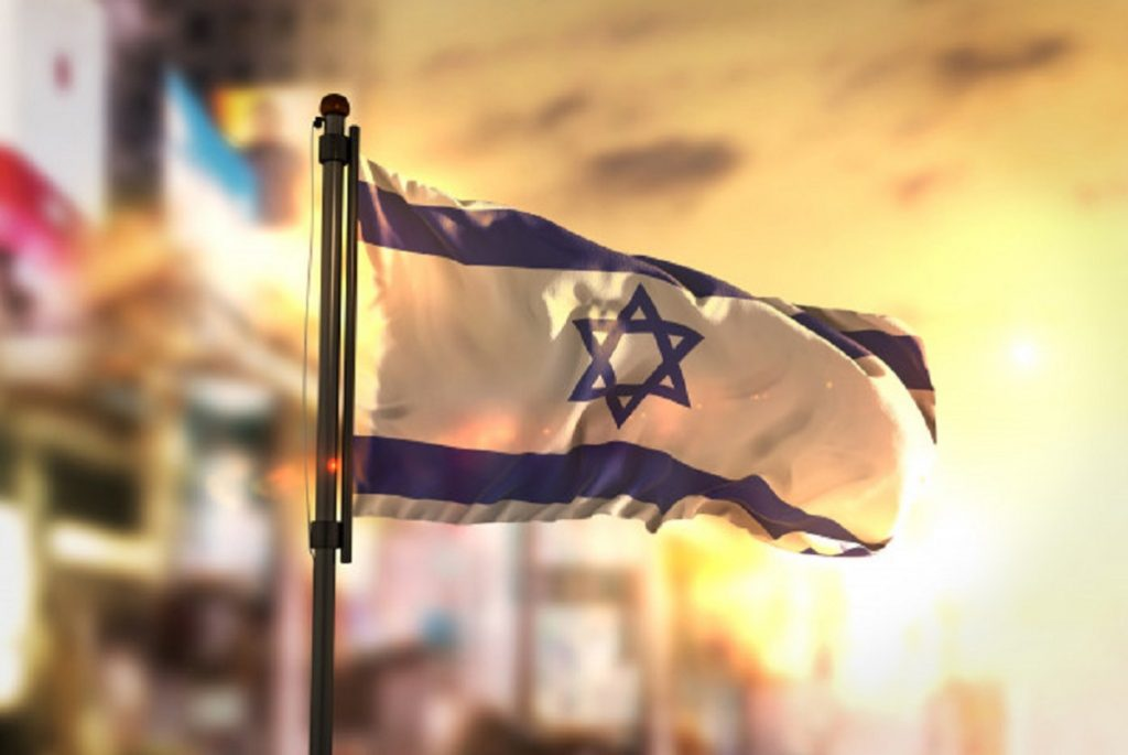 Cand cauta romanii un avocat penal roman in Israel?