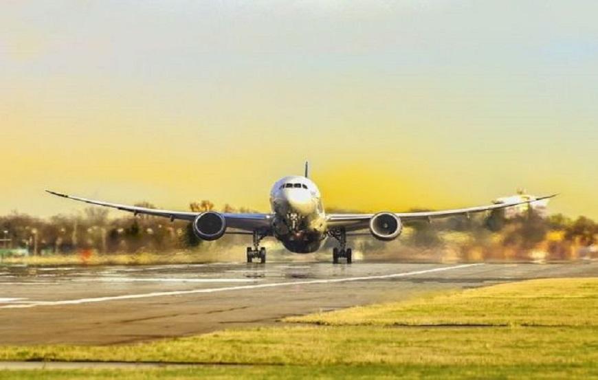 Câți bani pot primi pentru refuz la îmbarcare în avion?
